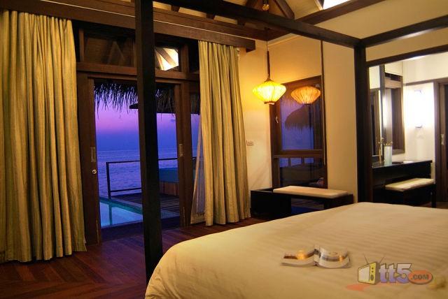 المالديف 111109002534CxEc.jpg