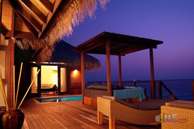 المالديف 111109002535r6zm.jpg