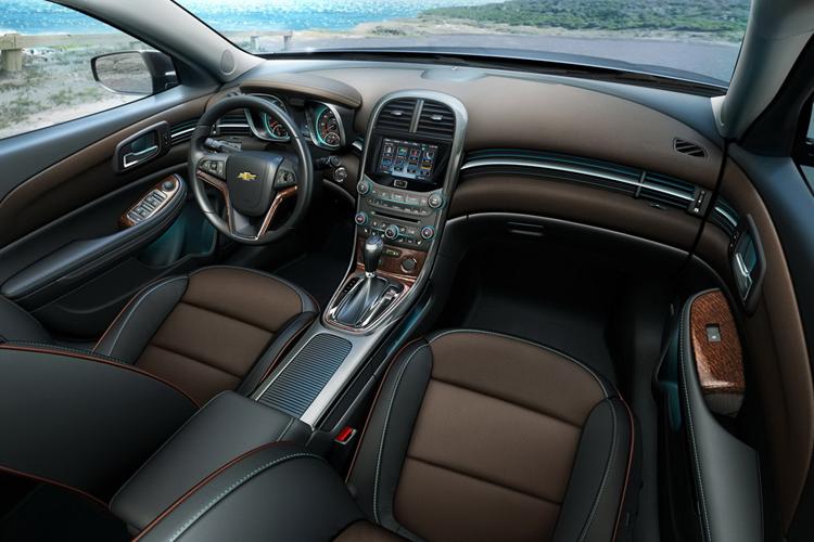 سيارة شيفرولية ماليبو 2012 111126000328iJ9X.jpg