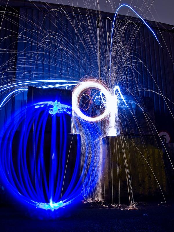صور فن مذهل من فنون تصوير الإضاءة 120410140540N8tT.jpg