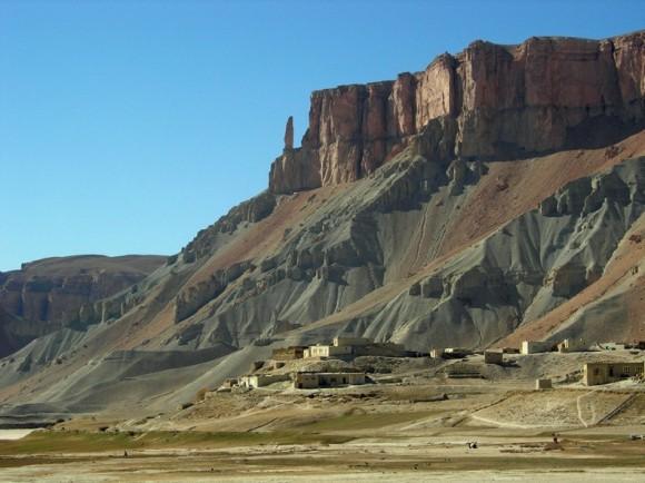 الأبصار أفغانستان 1204101408329Qam.jpg