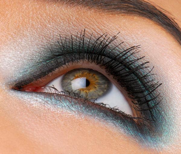 مكياج للعيون المختلفه 2013 مكياج 120505165452liPP.jpg