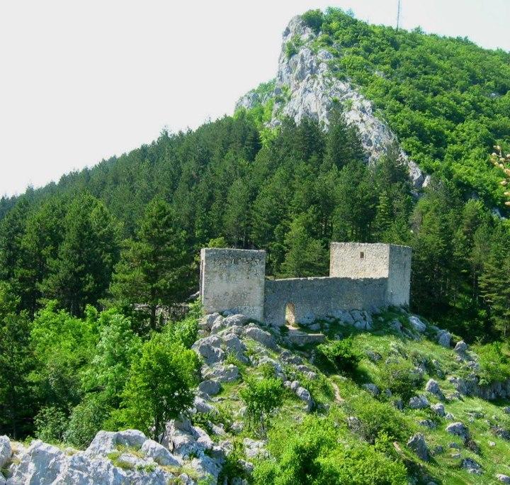 الاستكشافيه البوسنه 120911200212kWVV.jpg