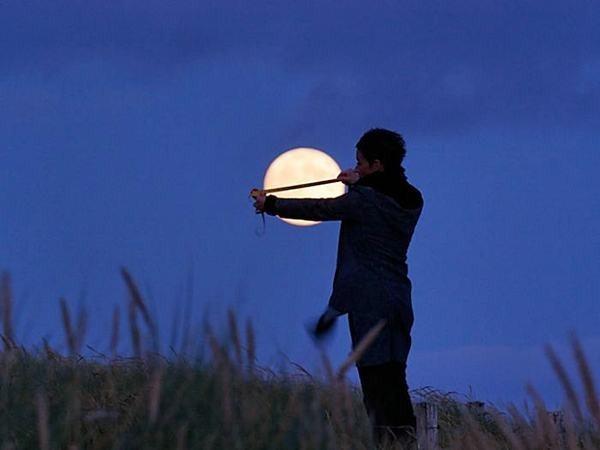 العب مع الشمس والقمر 2013 ,, أحلي صور السمش والقمر 2013 121002114953354U.jpg