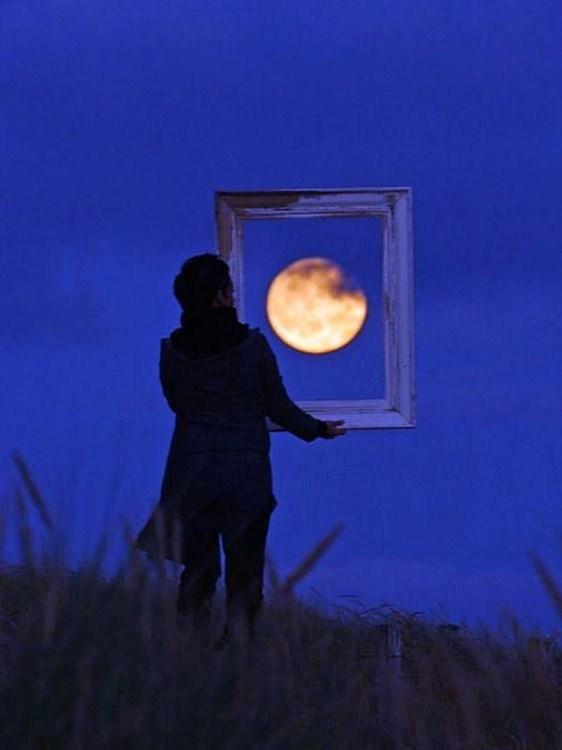 العب مع الشمس والقمر 2013 ,, أحلي صور السمش والقمر 2013 121002114953M0Ce.jpg