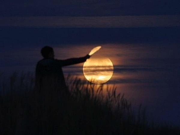 العب مع الشمس والقمر 2013 ,, أحلي صور السمش والقمر 2013 121002114954X4S2.jpg