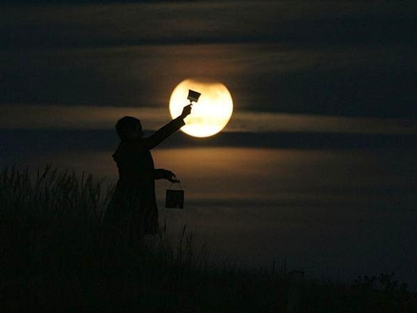العب مع الشمس والقمر 2013 ,, أحلي صور السمش والقمر 2013 121002114954g7Bj.jpg