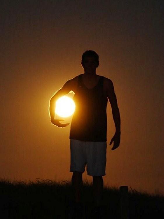العب مع الشمس والقمر 2013 ,, أحلي صور السمش والقمر 2013 121002114955kyGm.jpg