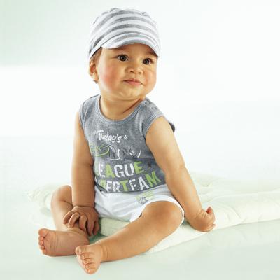 ازياء اطفال للعيد 2013 121029225654z7pq.jpg