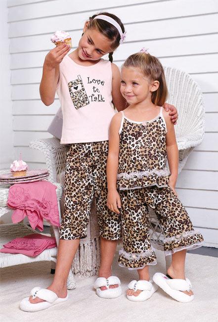 ملابس بيجامات للبنوتات الصغار 2013 1211262231036jTX.jpg