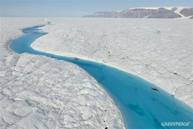 نهر وسط الجليد 2013 121215070748KZ3r.jpg