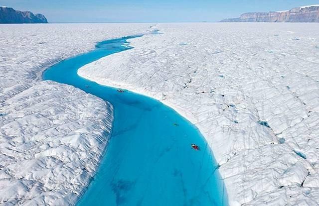 نهر وسط الجليد 2013 121215070749JmGA.jpg