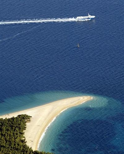 صور اجمل شواطىء في العالم 2013 121218094414kYZY.jpg