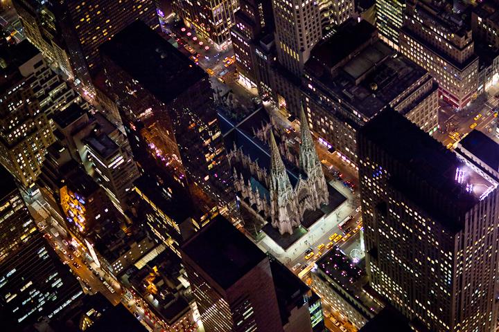 صور سياحيه لمدينه نيويورك 2013 1212232243596A2r.jpg