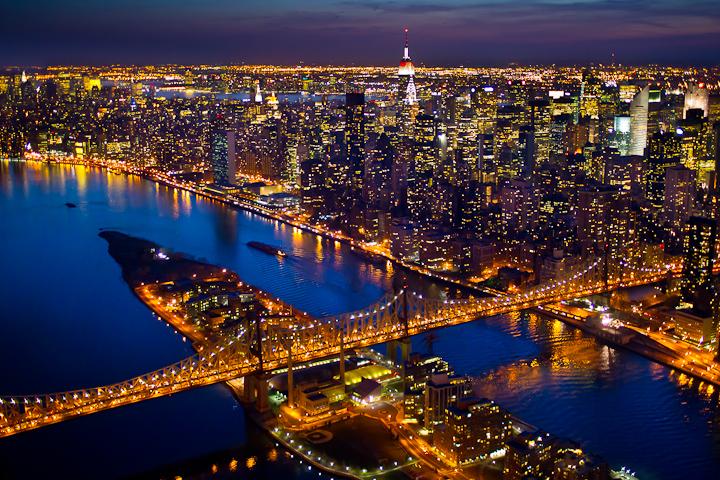 صور سياحيه لمدينه نيويورك 2013 121223224400mbrL.jpg