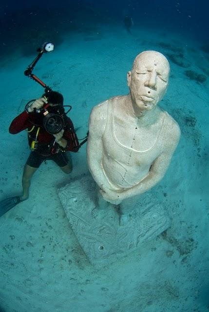 السياحة فى متحف تحت الماء 2013 1301021039406XUj.png