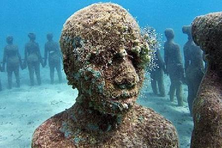 السياحة فى متحف تحت الماء 2013 130102103940wmI9.jpg