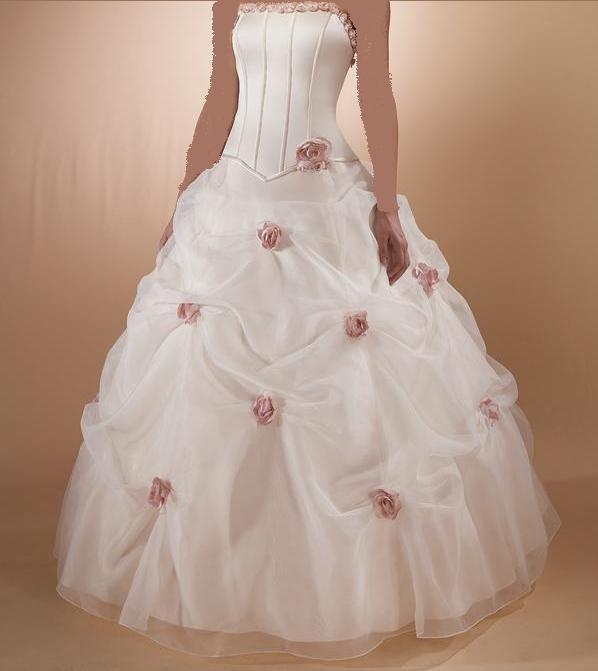 فساتين تحفة للعرائس 2013 ، 130312113849s0Q3.jpg