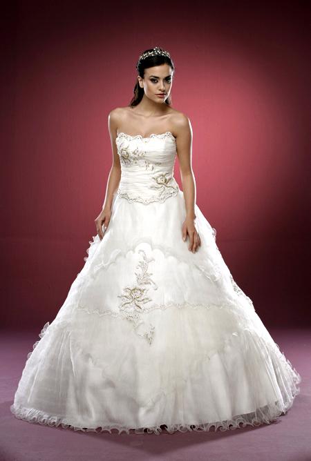 فساتين زفاف مميزة 2013 ، فساتين زفاف رهيبة 130312144935S2tU.png