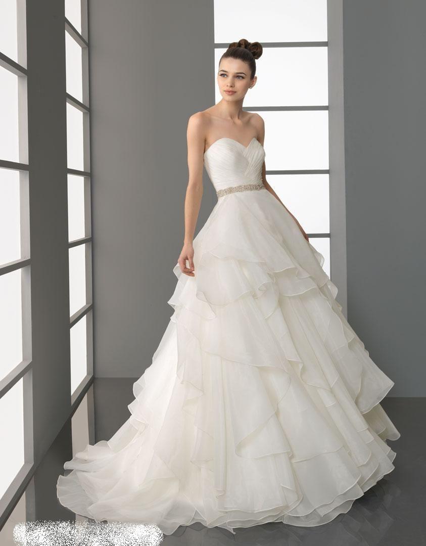 فساتين زفاف منفوشة 2013 130312145136ujVV.jpg