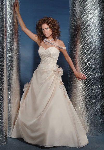 ملابس اعراس روعه 2013 130312145257BhGM.jpg