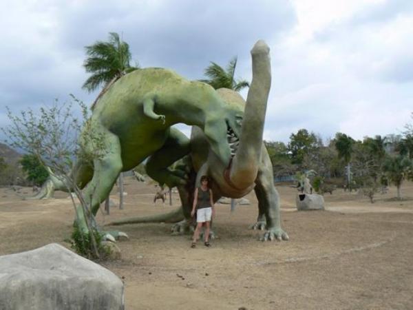 الديناصورات 2013 130405220959YeC4.jpg
