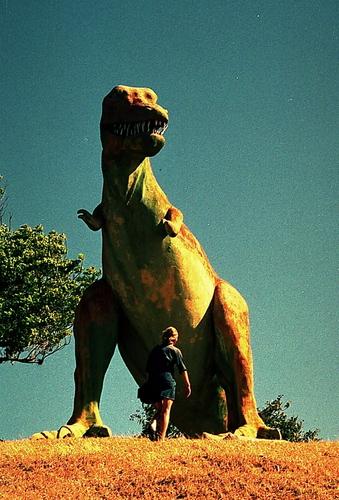 الديناصورات 2013 130405220959ulBi.jpg