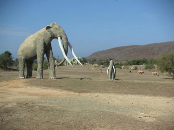 الديناصورات 2013 1304052210004oVk.jpg