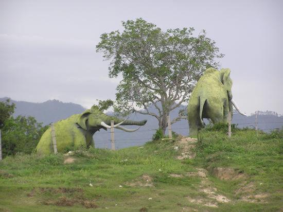الديناصورات 2013 130405221000TXHg.jpg