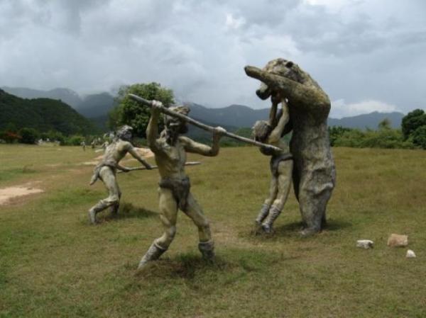 الديناصورات 2013 130405221001m1J7.jpg
