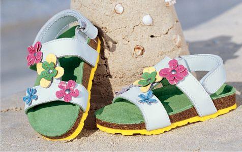 احدث احذية فرنسية للاطفال 2013 1304170723247rPS.jpg