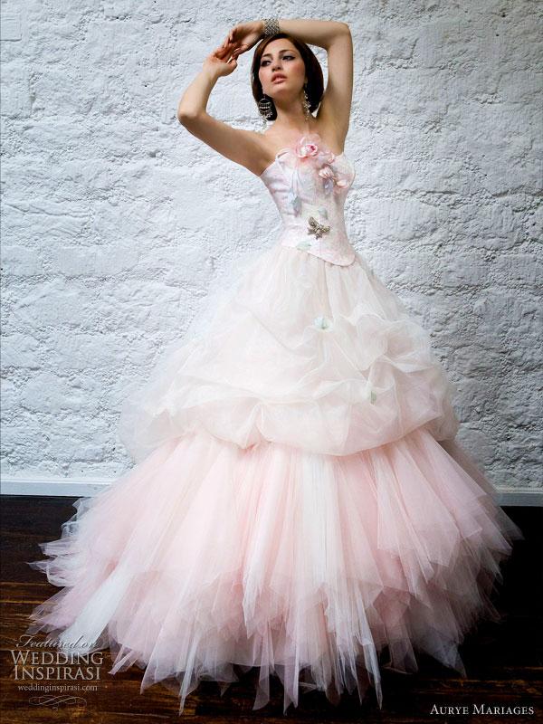 فساتين زفاف خيال 2014 ، صور فساتين روعة للعروس 130502145728QAFQ.jpg